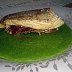 Merluza rellena con salsa de espinacas