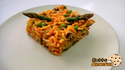 Fidegua con setas y verduras